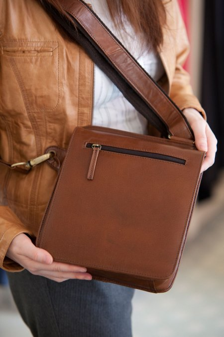 Stylish Mens Saddle Bag.